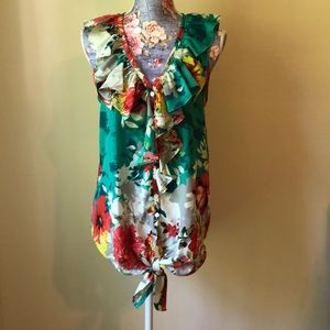 M M Couture Short Sleeve Button Up Top Medium